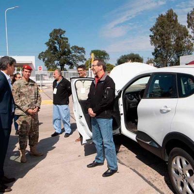 Vehículos de Renault a disposición del COE