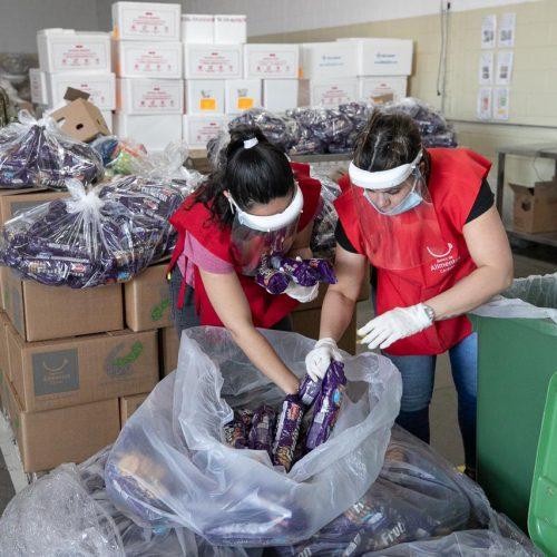 Voluntarios COE en Banco de Alimentos